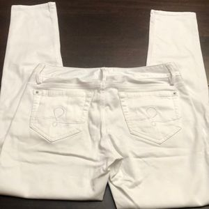 Lilly Pulitzer white pants.  Inseam 29